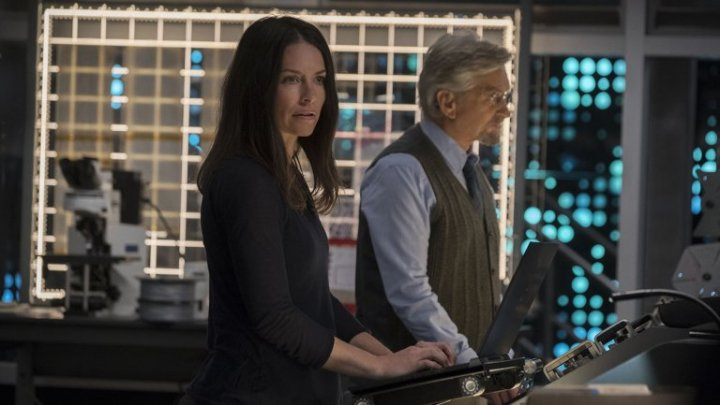 ant-man_and_the_wasp_still_michael_douglas_and_evangeline_lilly